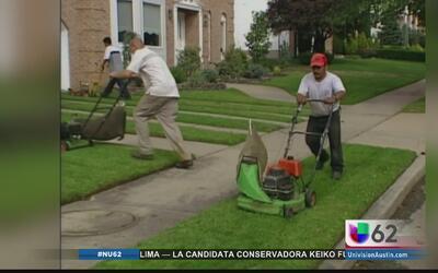 Latinos enfrentan dificultades económicas en Austin