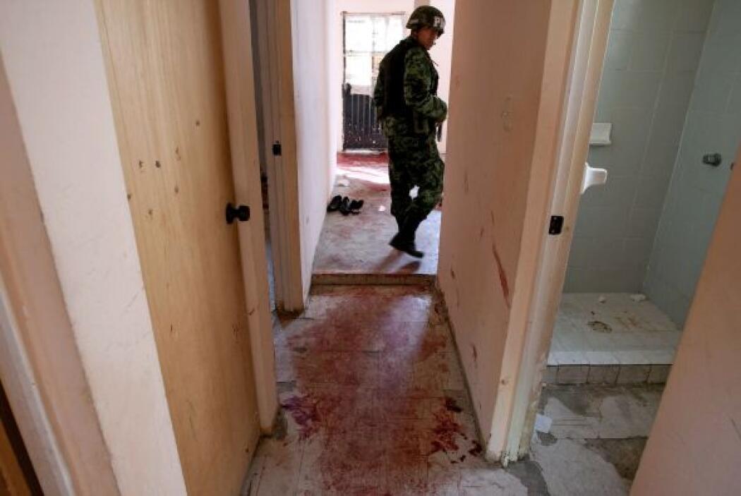Pero las bandas de narcotraficantes no solo se han asesinado entre ellas...