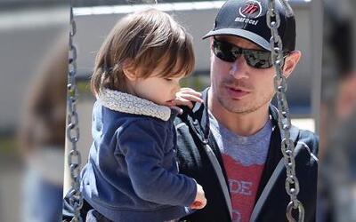 Nick Lachey pasa tiempo con su hijo en Nueva York