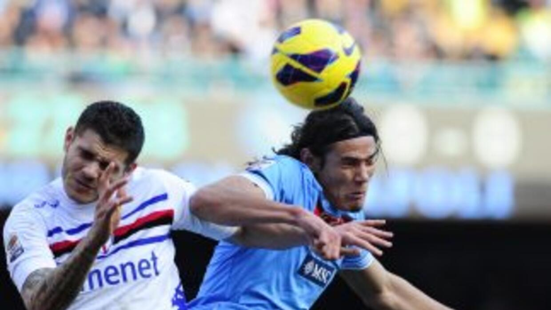 Gris actuación de Cavani y el ataque napolitano.