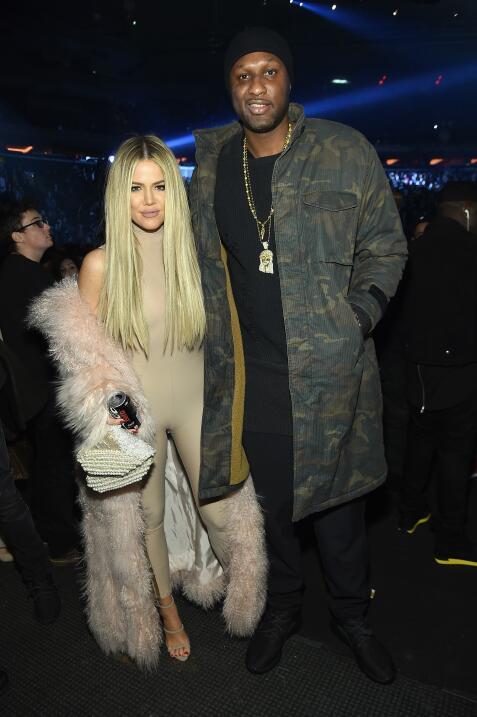 El clan Kardashian - Jenner durante el desfile de Kanye West.