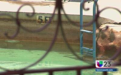 Salvavidas resucita a un niño en piscina de Coral Gables