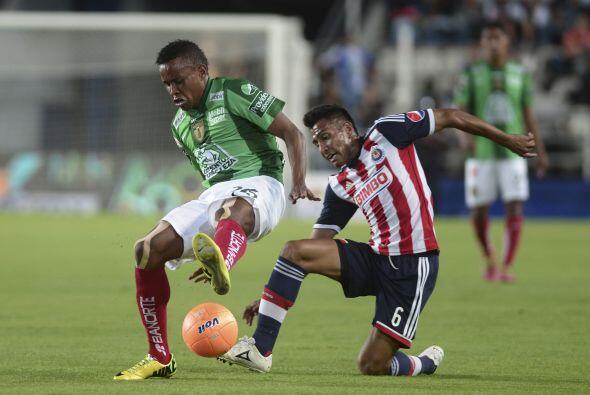 Omar Esparza (8).- Peleó casi en la línea de meta, por la jugada del seg...