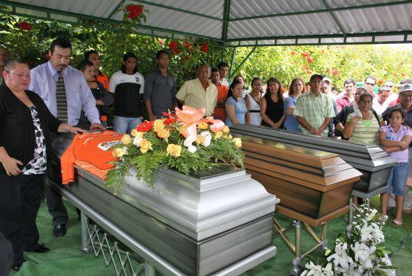 El hombre de 46 años falleció en un accidente automovil&ia...