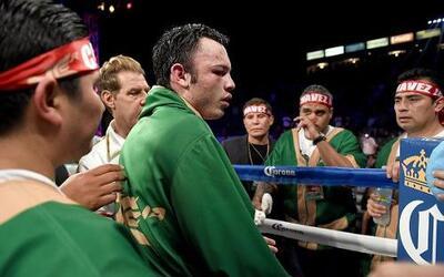 Julio César Chávez Jr. fue dominado y perdió en el noveno round ante Adr...