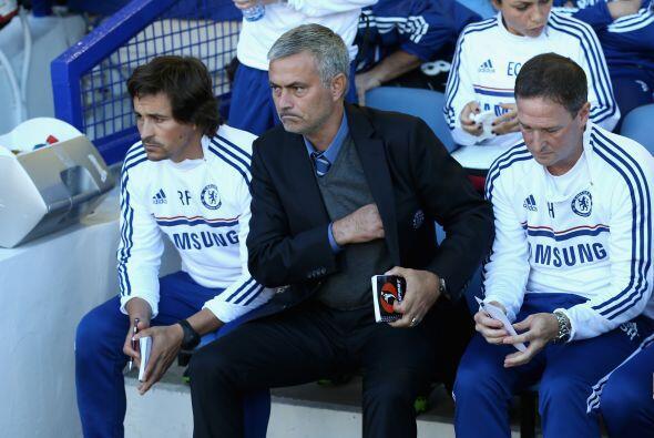 Jose Mourinho pretende reconducir el trayecto del Chelsea en esta compet...