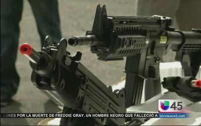 Instan a padres a que eviten que sus niños jueguen con armas de juguete