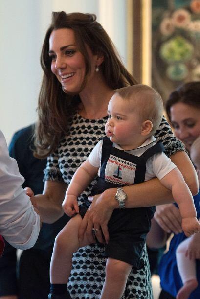 Seguro Kate, sabe que en esta etapa de su vida George experimentará con...