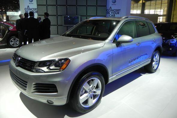 Desde Alemania, llegó a Chicago la versión híbrida de la SUV VW Touareg.