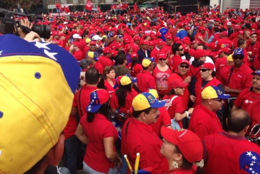Trabajadores públicos se concentran en el centro de Caracas. Foto tomada...