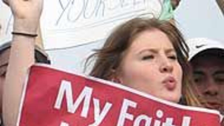 """""""Todos somos Arizona"""" es el lema de las marchas del 1 de mayo en EU 811e..."""