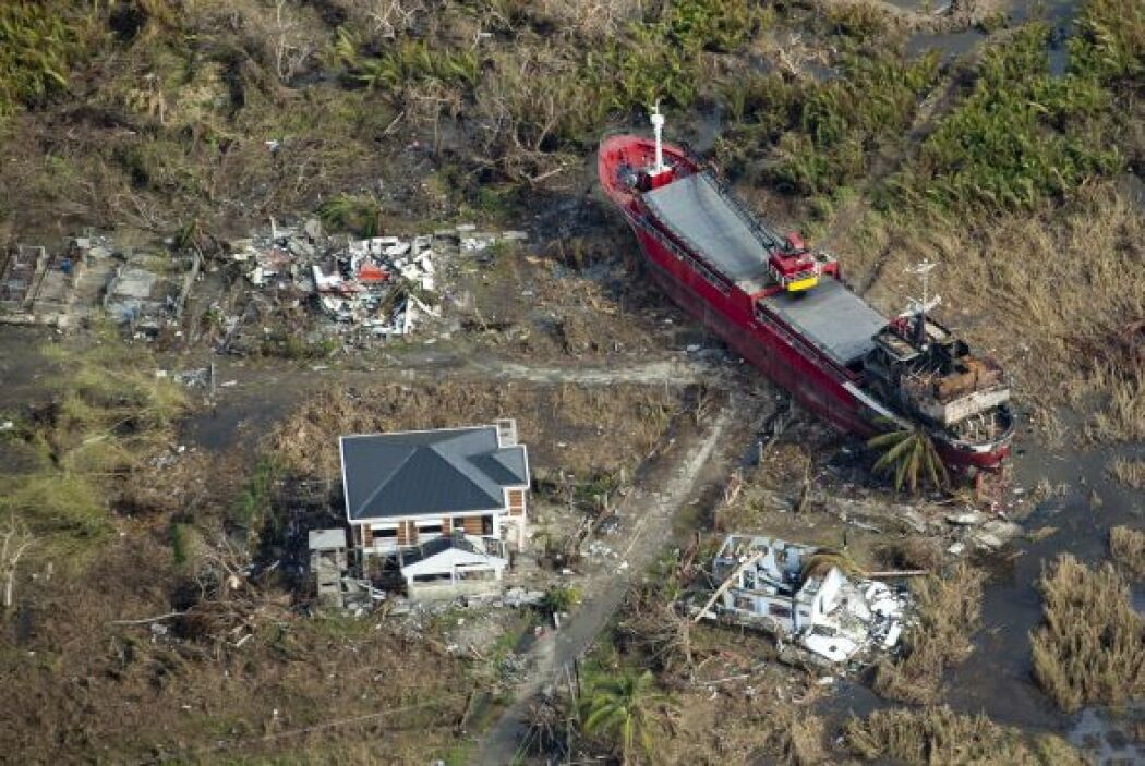 """""""Mientras que en Tacloban las calles están prácticamente despejadas, en..."""