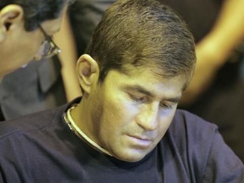 El náufrago salvadoreño José Salvador Alvarenga ret...