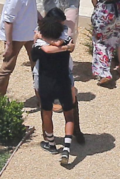 Kylie abrazó con cariño al hijo de Will Smith. Más videos de Chismes aqu...