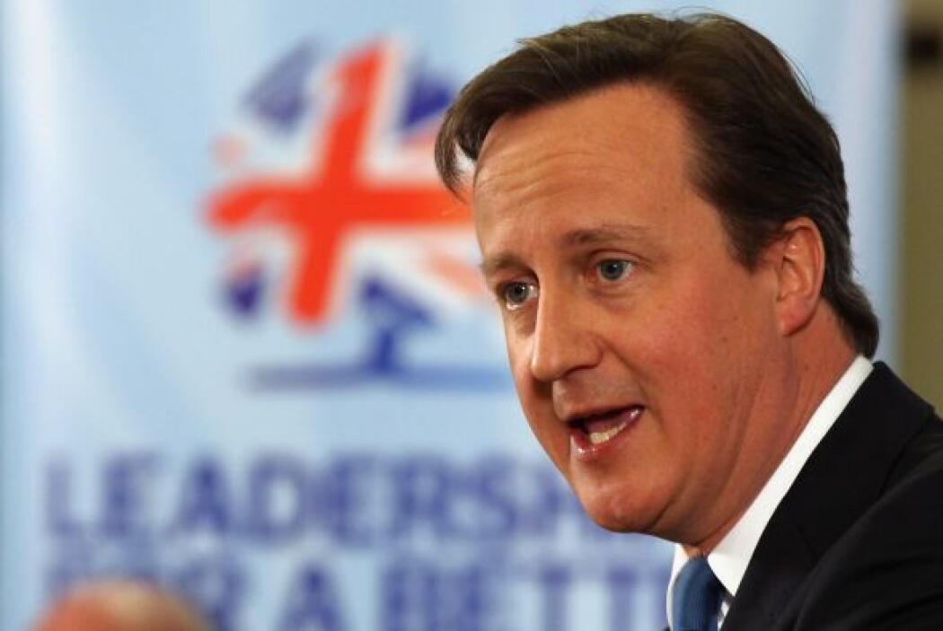 El primer ministro de Gran Bretaña, David Cameron, expresó sus respetos...
