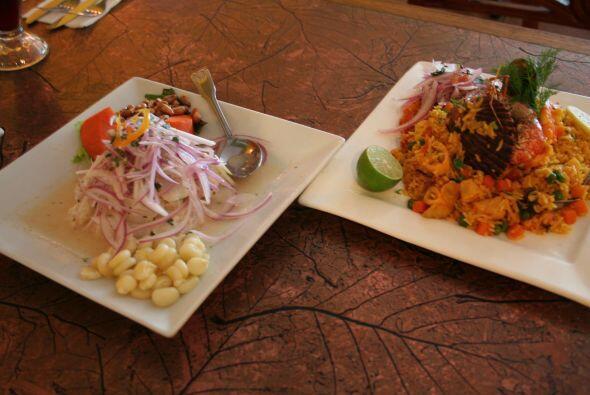 3. Cebiche: Otra fotito de un cebiche, al lado de un arroz con mariscos,...