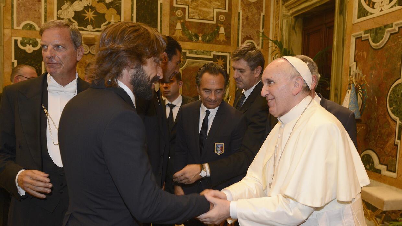 En 2013, Pirlo conoció al papa Francisco.