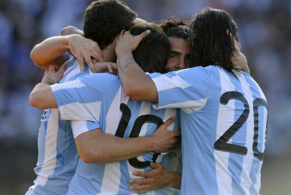 Festejo albiceleste en casa, goleada por 4-1 frente a España y cr...