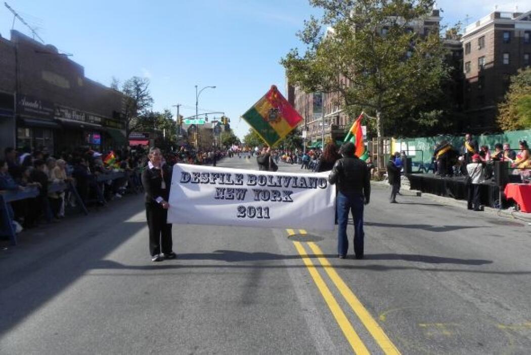 Primer desfile Boliviano de Nueva York 5f68c149fb354006a11b7328b02e0c50.jpg