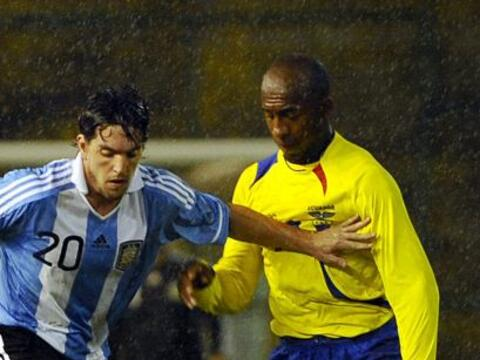 Las selecciones de Argentina y Ecuador se enfrentaron en la ciudad de Ma...