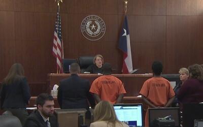 Dos hombres acusados de tráfico humano comparecieron ante la corte del c...