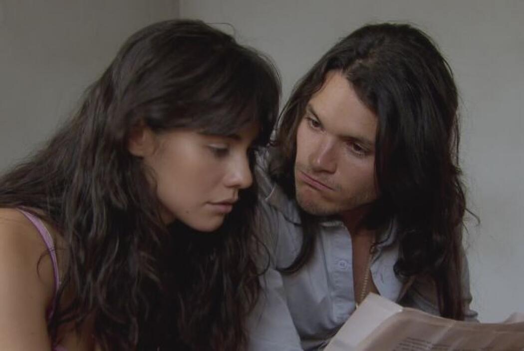 Griselda y 'Cejas' logran salir de la ciudad y se esconden en otro lugar...