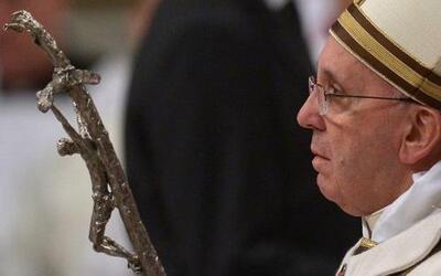 """La misa inició con el canto de la """"Kalenda"""", que en latín cuenta la espe..."""
