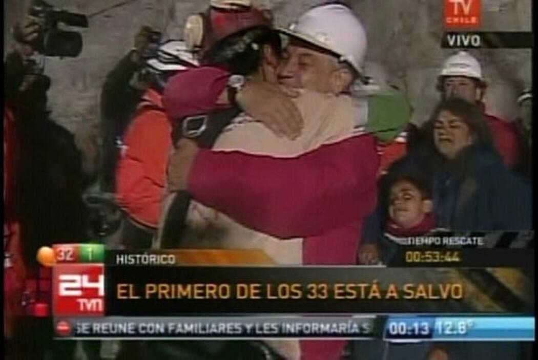El presidente Sebastián Piñera estuvo presente en el lugar desde las 18...
