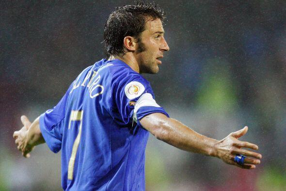 Llegó la Eurocopa del 2004 y Del Piero también la jug&oacu...
