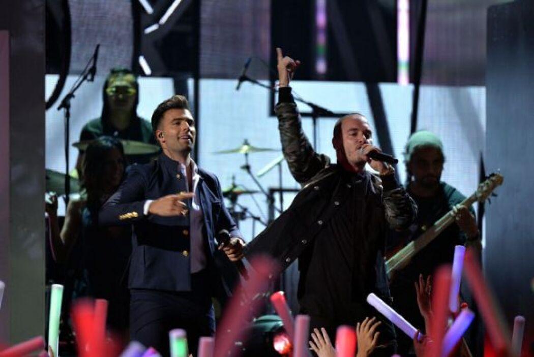 Ambos lucieron soberbios en esta gran fiesta, Premios Juventud.