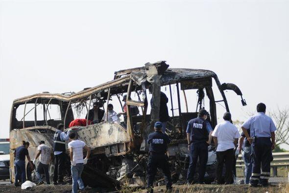 El autobús accidentado es de la empresa Turtle, marca Volvo.