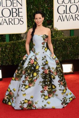 ¿Pero en qué estaba pensando Lucy Liu cuando eligió este vestido? Creemo...