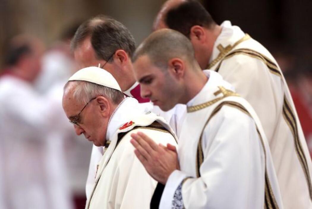 13 abril: En su primer mes de pontificado, Francisco crea un grupo de oc...
