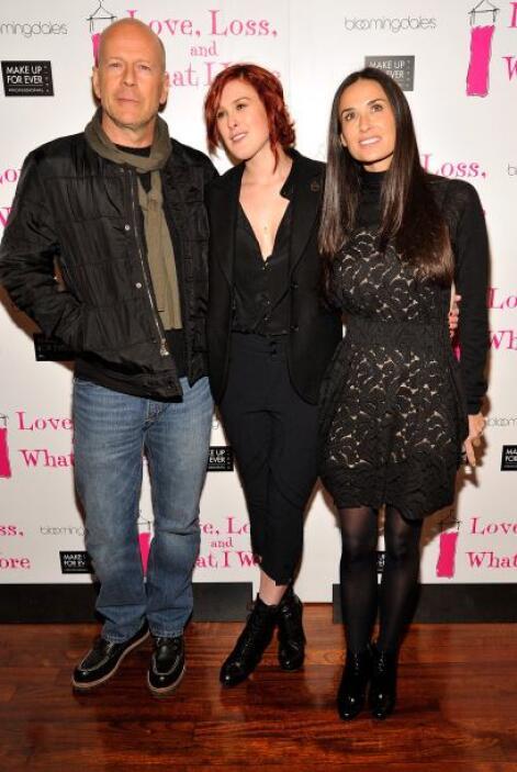 Bruce Willis y Demi Moore huelen más que a suegros pues la hija mayor qu...