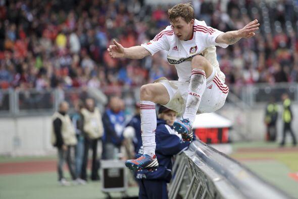 El jugador del Bayer Leverkusen tuvo un partido de lujo en contra del Nu...
