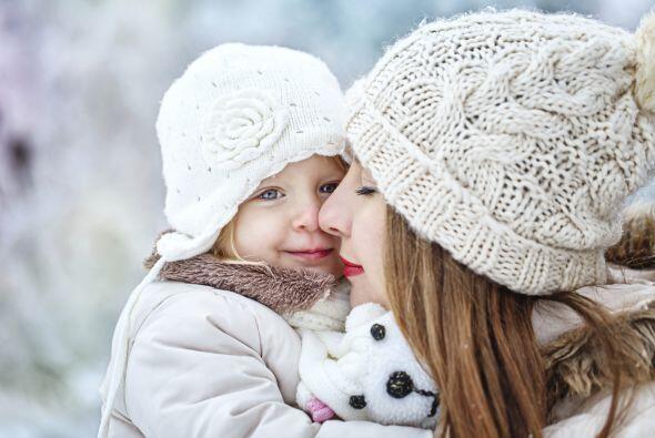 2 capas más. Recuerda: al abrigar a tu niño, ponle dos capas más que las...