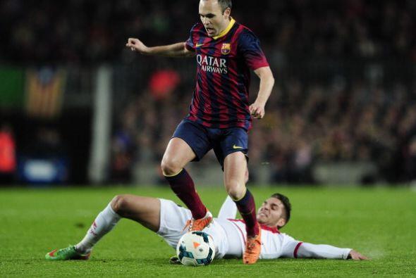 Iniesta jugó un partidazo, tacos, regates y pases de lujo, como e...
