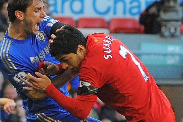 La segunda mordida: En un partido entre Liverpool-Chelsea jugado en Anfi...