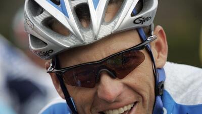 Tras el escándalo de dopaje, Lance Armstrong deberá pagar $10 millones a...