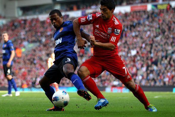 Por su parte, el Liverpool apostaba a la fuerza y talento del uruguayo L...