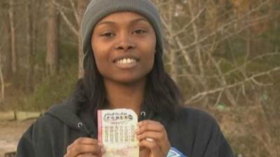 Marie Holmes fue la ganadora del Powerball, y usará el dinero para sacar...