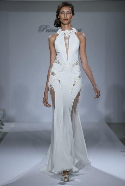 Si vas por algo más sexy, tenemos el vestido de la novia audaz. U...