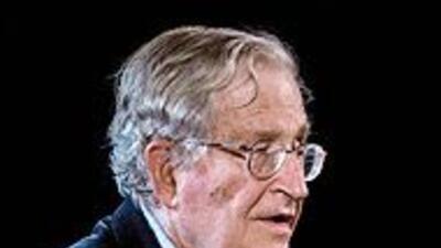 Noam Chomsky analiza el primer año de Obama: Los bancos fueron los más b...