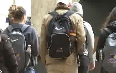 Un nuevo impuesto ayudaría a pagar la universidad de muchos estudiantes...