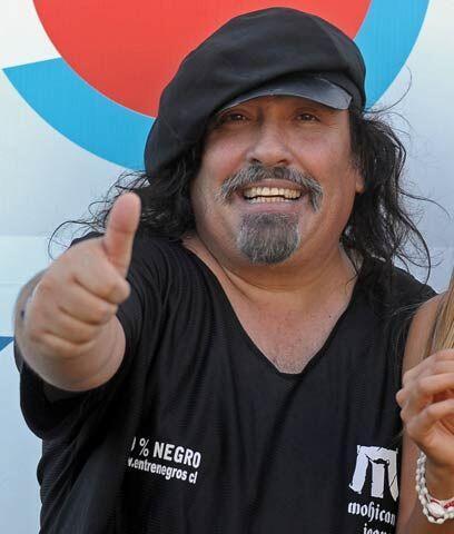 No se salva ni el hermano del PresidenteMiguel Piñera, empresario, canta...