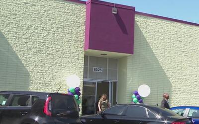 Inauguran albergue en al sur de la calle Broadway, en Los Ángeles