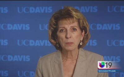 Renuncia a su cargo rectora de UC Davis