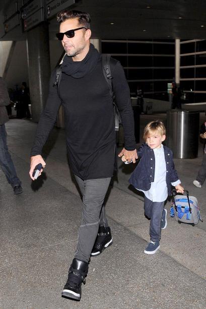 Venía solito con sus nenes, Matteo y Valentino. Más videos...