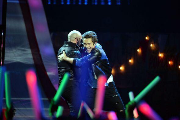 Minutos antes, Austin Mahone tuvo el honor de compartir el escenario con...
