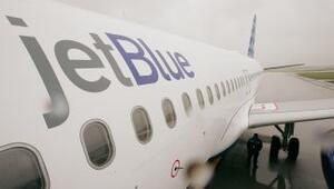 Avión de Jetblue aterriza de emergencia.